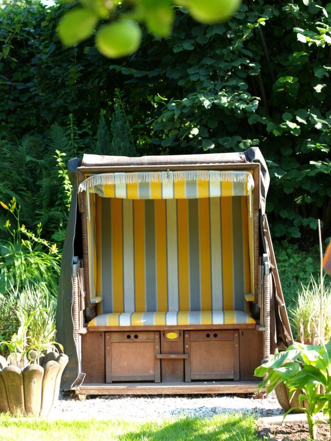 maritimes ambiente im heimischen garten der strandkorb ist eines der meistverkauften gartenm bel. Black Bedroom Furniture Sets. Home Design Ideas